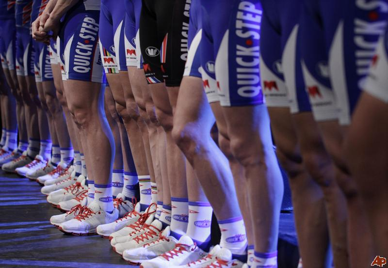 belgium-cycling-quick-step-team-presentation-2011-1-21-7-30-29